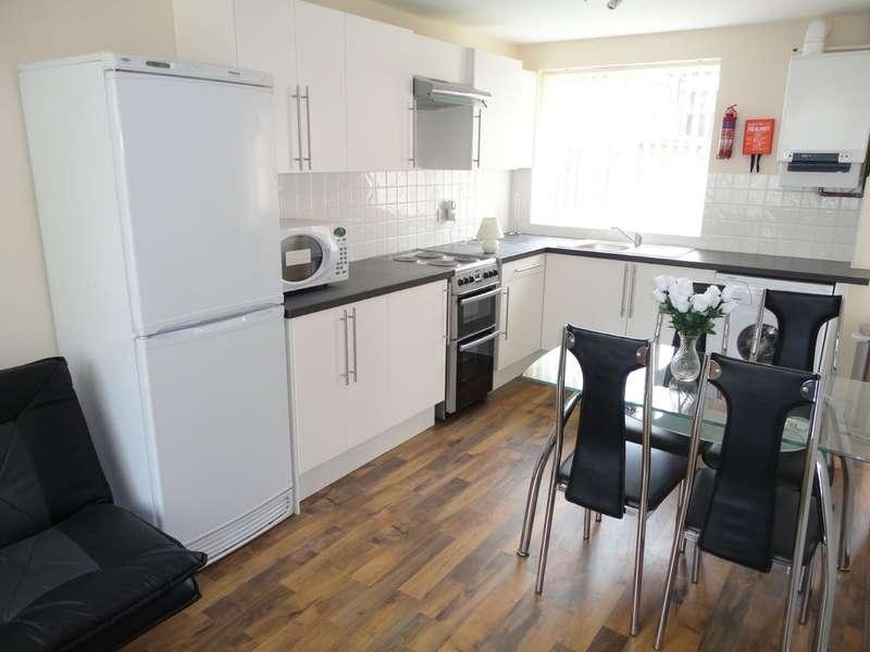 5 Bedrooms Terraced House for rent in Sir Harrys Road, Edgbaston, B5