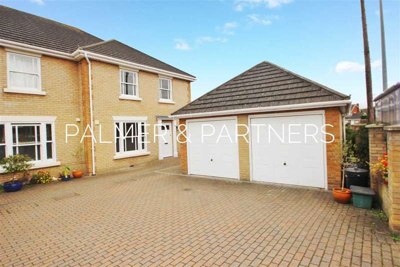 4 Bedrooms End Of Terrace House for sale in Turner Road, Mile End, Colchester