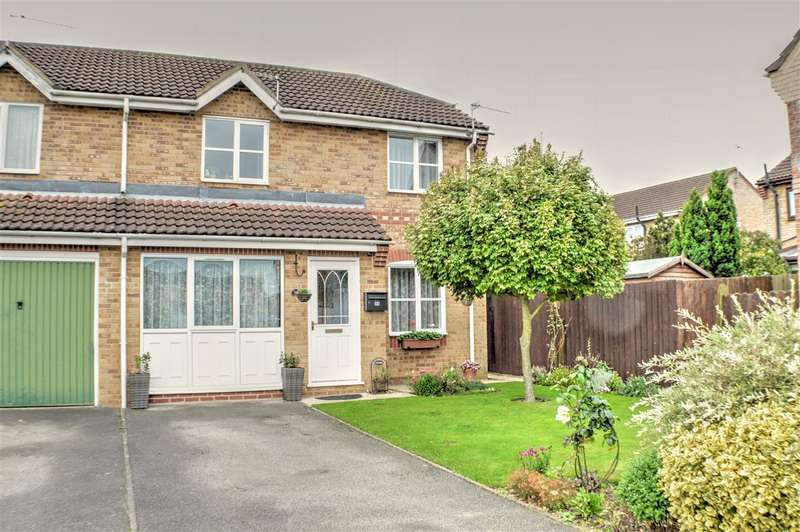 3 Bedrooms Semi Detached House for sale in Oak Road, Sleaford