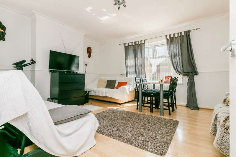 1 Bedroom Maisonette Flat for sale in Wolseley Road, Mitcham, Surrey CR4 4JQ