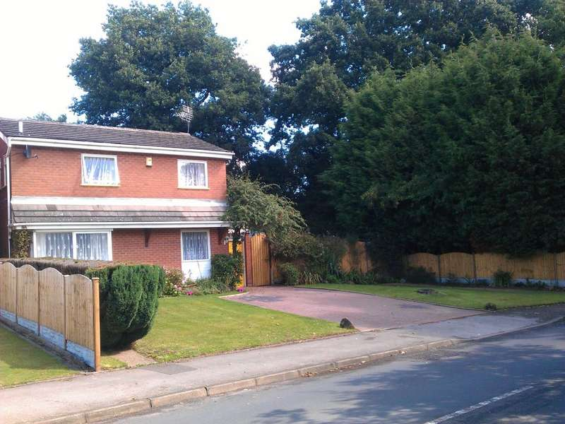3 Bedrooms Detached House for sale in Peterbrook Road, Shirley, Solihull, West Midlands, B90 1JQ