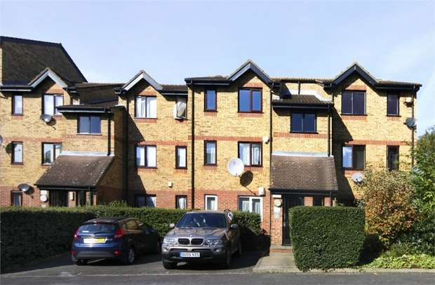 1 Bedroom Flat for sale in Green Pond Close, Walthamstow, London