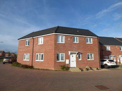 3 Bedrooms Semi Detached House for sale in Pandora Drive, Cardea, Peterborough, Cambridgeshire