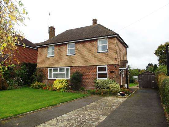 3 Bedrooms Detached House for sale in Ewhurst, Cranleigh, Surrey