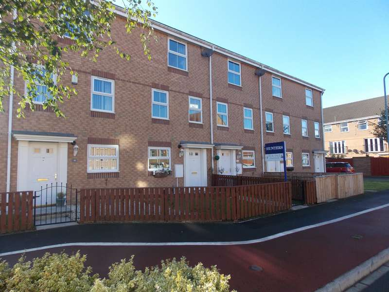 4 Bedrooms Town House for sale in Fullerton Way, Thornaby, Stockton-on-Tees, TS17 0AU