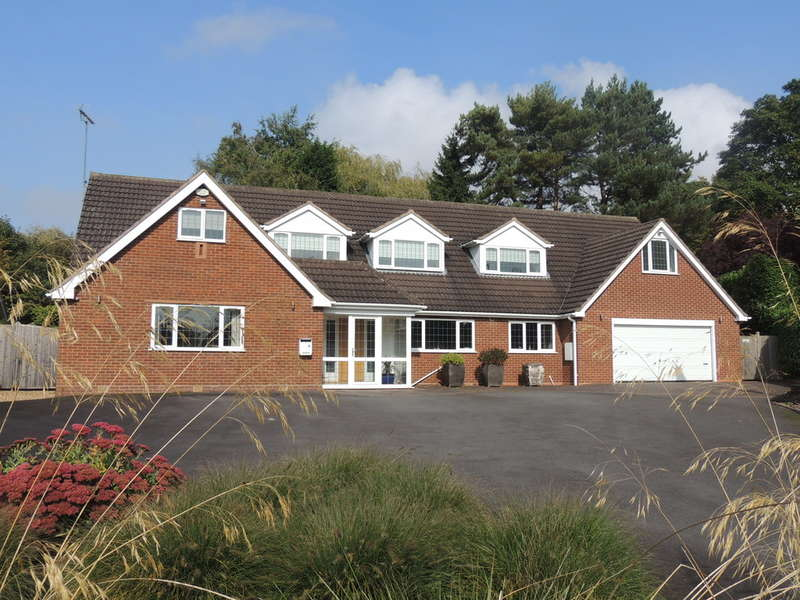 5 Bedrooms Detached House for sale in Paddock Drive, Dorridge, Solihull