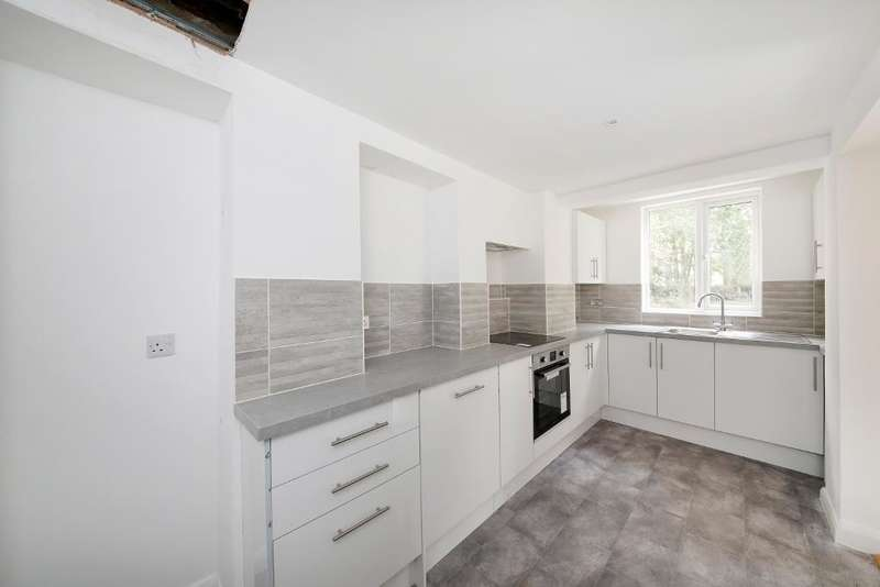 2 Bedrooms Flat for sale in Versailles Road, London, SE20 8AX
