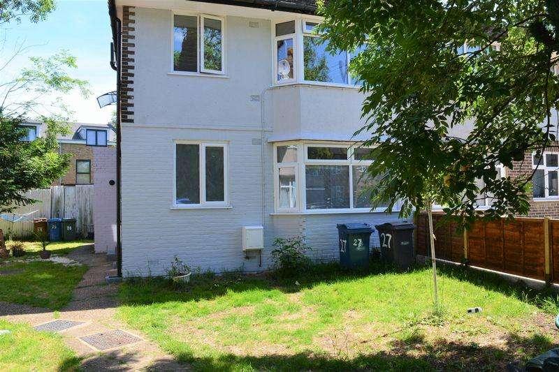 2 Bedrooms Maisonette Flat for sale in Methuen Close, Edgware
