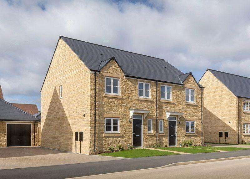 3 Bedrooms Semi Detached House for sale in Plot 55, The Alvescot, Oakwood Gate, Bampton