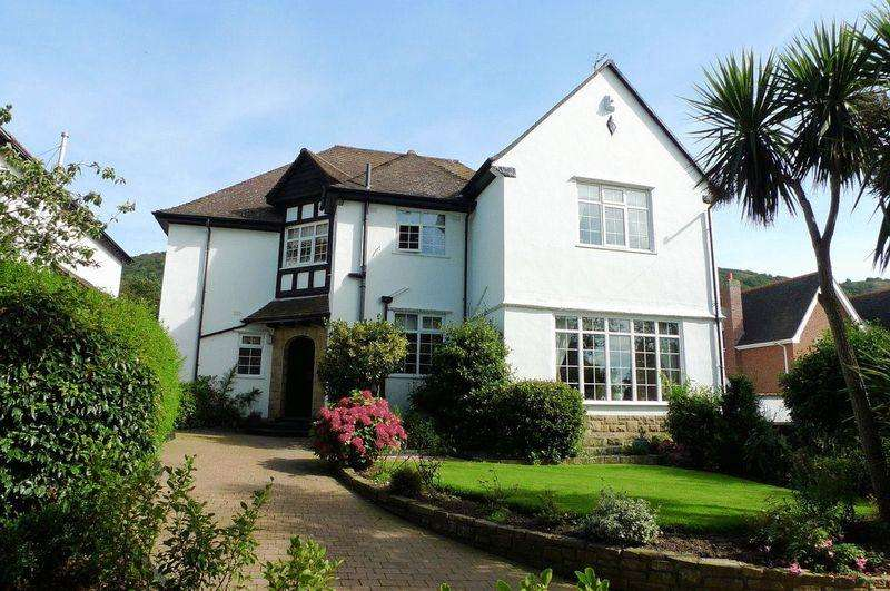5 Bedrooms Detached House for sale in Meliden Road, Prestatyn