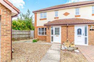 3 Bedrooms Semi Detached House for sale in Sonora Way, Sittingbourne, Kent