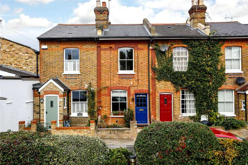 2 Bedrooms Terraced House for sale in Colne Road, Twickenham, TW2