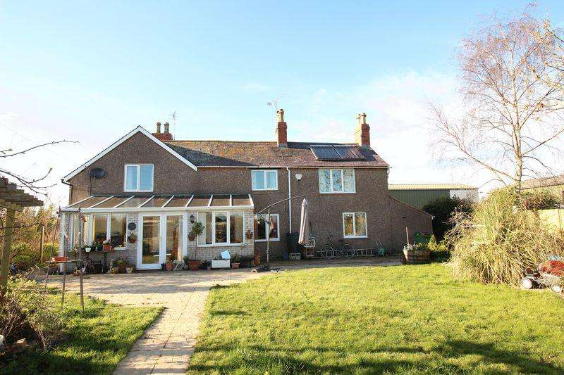 4 Bedrooms Country House Character Property for sale in Trotting Mare Cottage, Overton, Wrexham