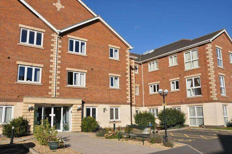 2 Bedrooms Apartment Flat for sale in Harpham Close, Scunthorpe