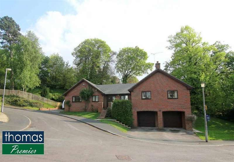 4 Bedrooms Detached House for sale in Walmoor Park, Chester