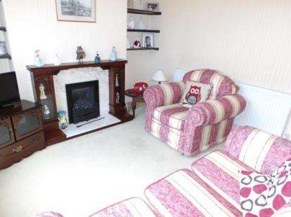 2 Bedrooms Terraced House for sale in Milton Road, Colne, Lancashire, BB8