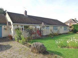 3 Bedrooms Bungalow for sale in Rye Road, Sandhurst, Kent