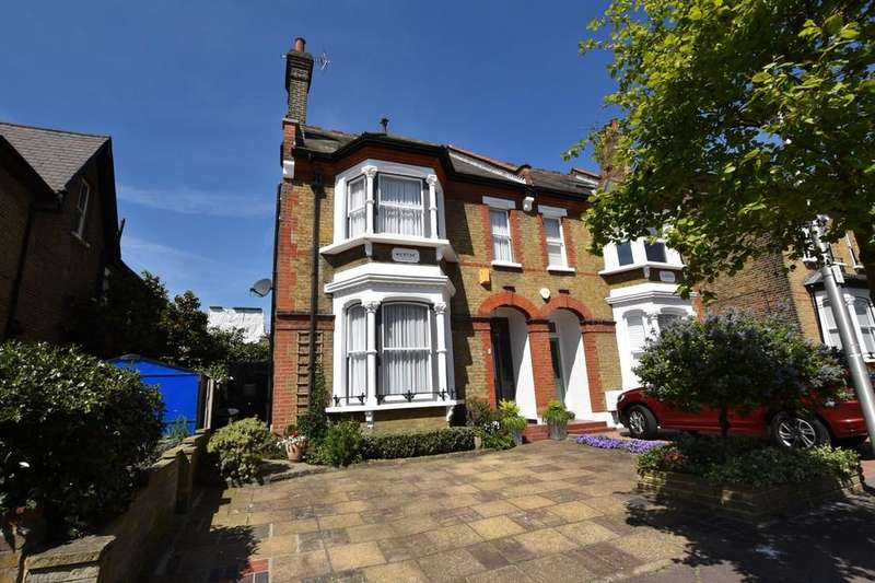 5 Bedrooms Semi Detached House for sale in Cleveland Road, South Woodford