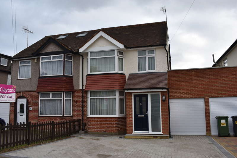 4 Bedrooms Semi Detached House for sale in Briar Road, Watford