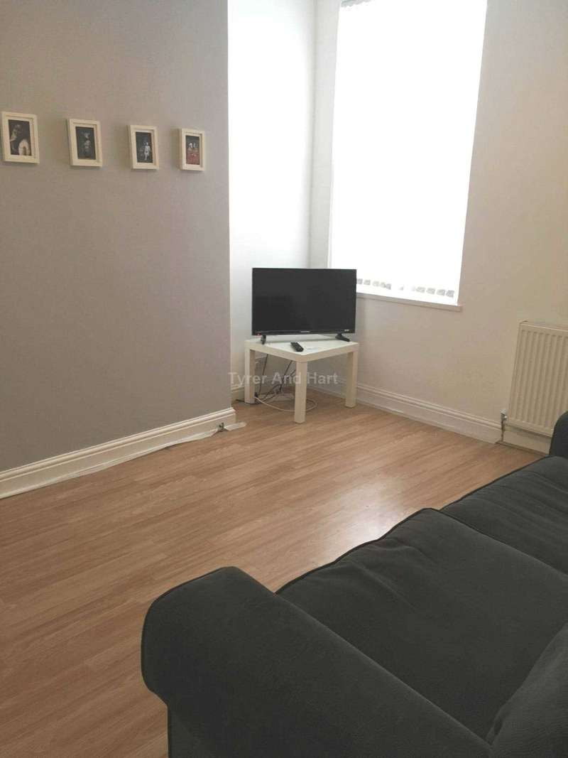 3 Bedrooms House Share for rent in Molyneux Road, Liverpool