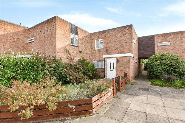 4 Bedrooms End Of Terrace House for sale in Falcon Drive, Stanwell, Staines-upon-Thames