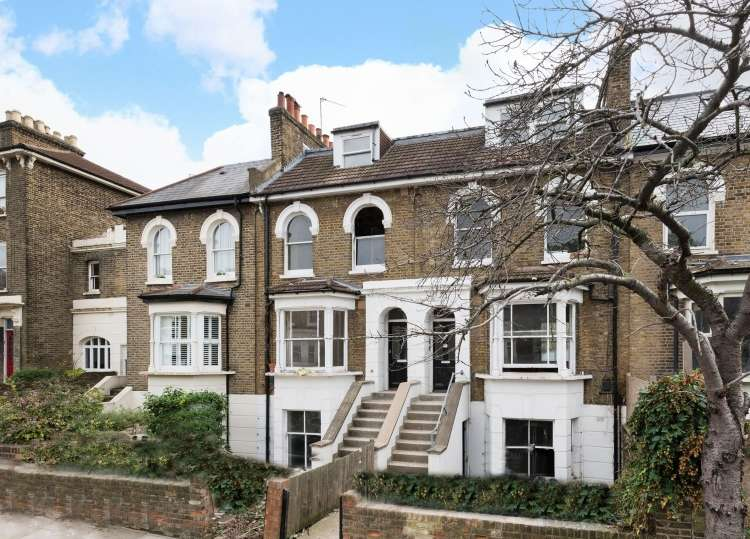 2 Bedrooms Flat for sale in Cranfield Road London SE4