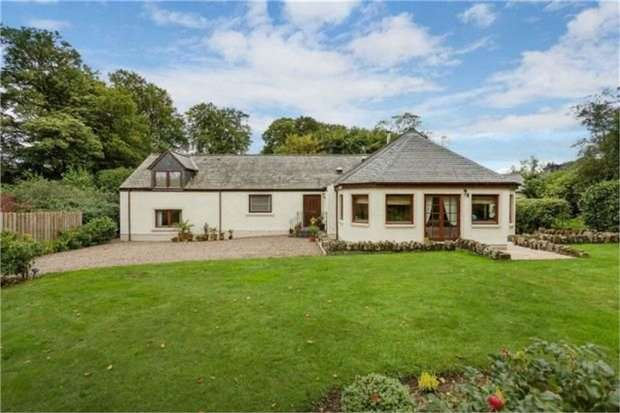 6 Bedrooms Detached House for sale in Nine Mile Burn, Penicuik, Midlothian