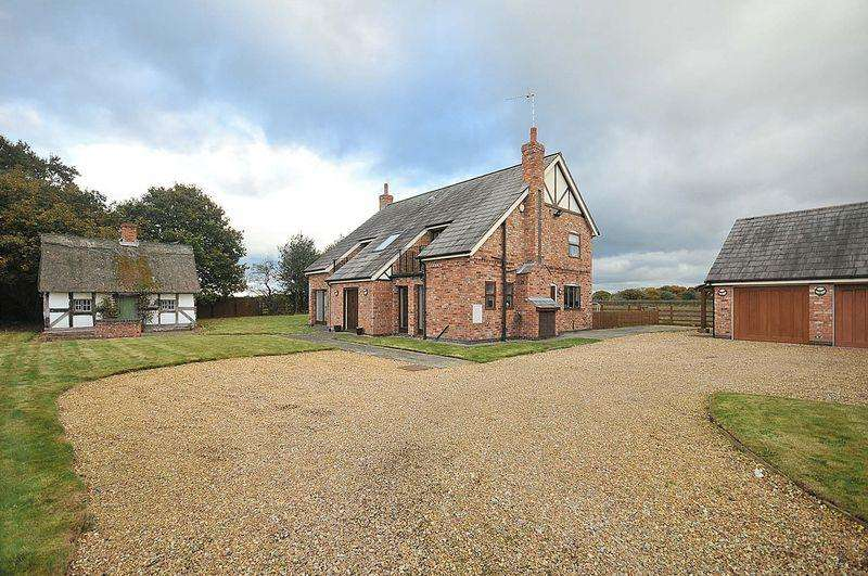 4 Bedrooms Detached House for sale in Twemlow Lane, Cranage