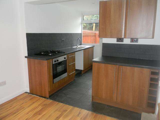 2 Bedrooms Terraced House for sale in Albert Terrace, College Street, Hull, HU7 4UN