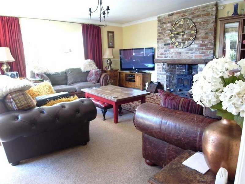 2 Bedrooms Detached Bungalow for sale in Bank Top Cottages, Hurworth Place, Darlington