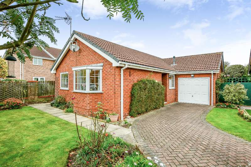 3 Bedrooms Detached House for sale in Mayfield Drive, Brayton, Selby, YO8 9JZ