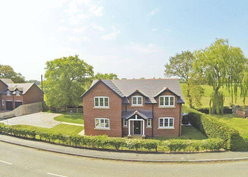 4 Bedrooms Detached House for sale in Holt Road, Wrexham