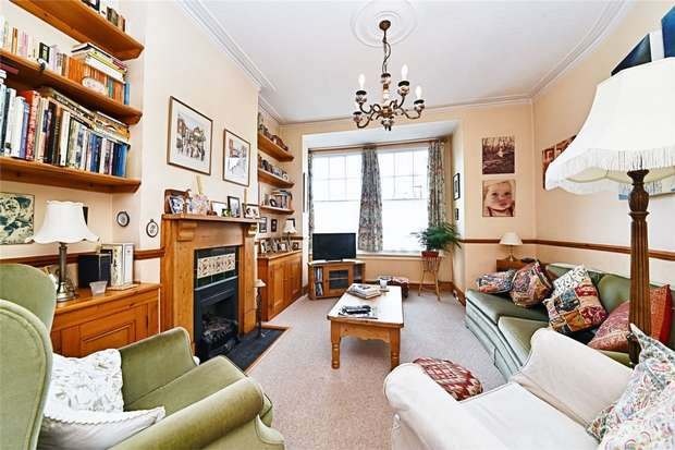 3 Bedrooms End Of Terrace House for sale in Brighton Road, East Finchley, N2