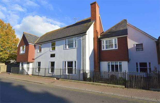 2 Bedrooms Flat for sale in Church Street, St Peters, Broadstairs, Kent, CT10 2RE