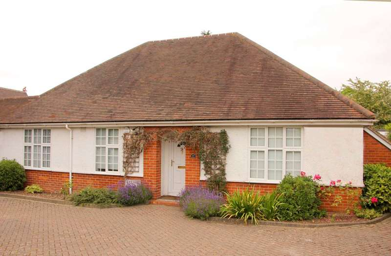 10 Bedrooms Semi Detached House for rent in Cressingham Road, Reading