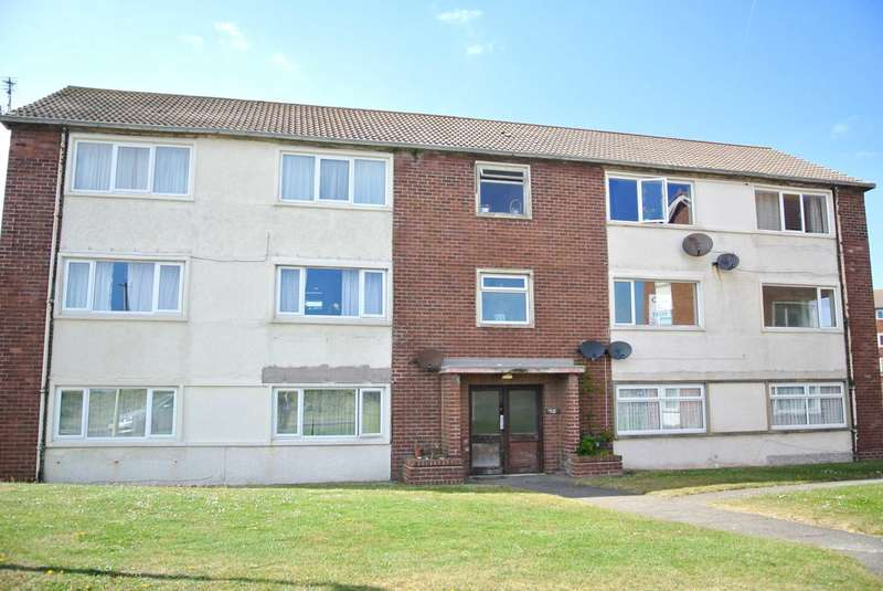 2 Bedrooms Flat for sale in Lindsay Court, New Road, FY8 2SR