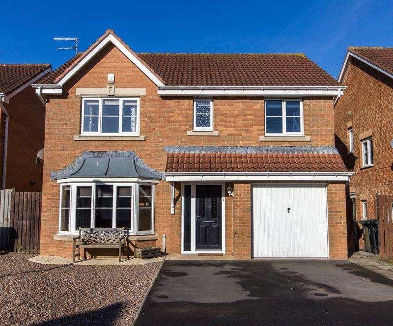 4 Bedrooms Detached House for sale in Belsay Grove, Bedlington