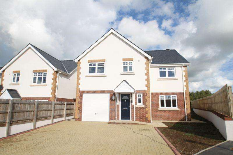 4 Bedrooms Detached House for sale in Llanfairpwll, Anglesey