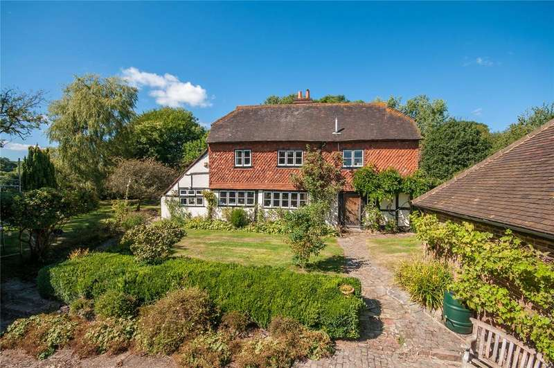 4 Bedrooms Detached House for sale in Norwood Hill Road, Charlwood, Horley, Surrey, RH6