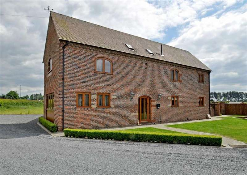 3 Bedrooms Barn Conversion Character Property for sale in South Barn, 1, Whitehall Barns, Stourbridge Road, Dudley, South Staffordshire, DY3