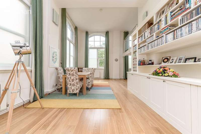 2 Bedrooms Apartment Flat for sale in Richmond Terrace, Brighton, BN2