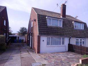 3 Bedrooms Semi Detached House for sale in Southsea Avenue, Minster, Sheerness, Kent