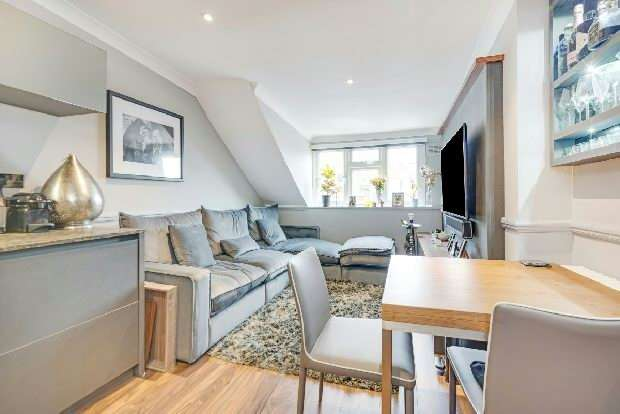 2 Bedrooms Flat for sale in Cotleigh Road, West Hampstead, NW6