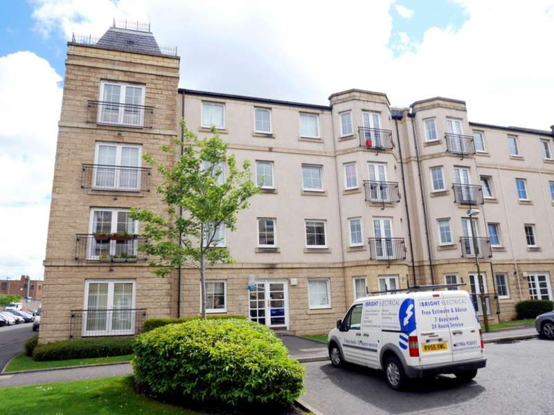 2 Bedrooms Flat for rent in Steads Place, Edinburgh,
