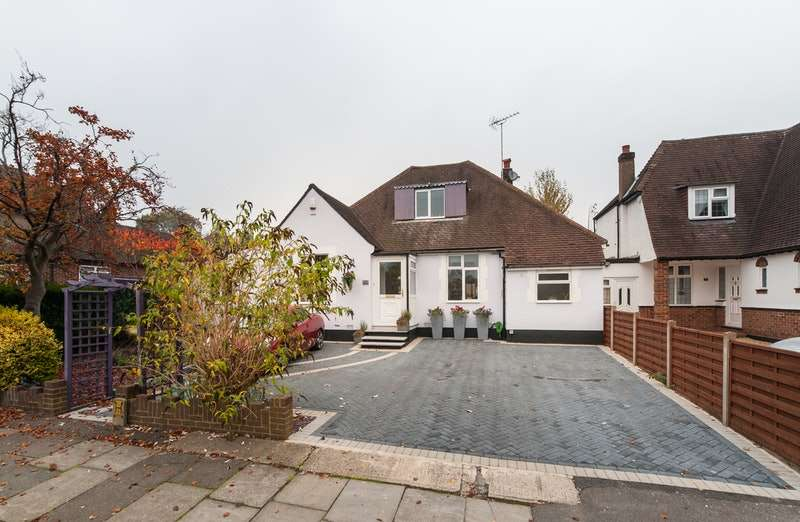 4 Bedrooms Link Detached House for sale in Hillside Road, Northwood, Middlesex, HA6