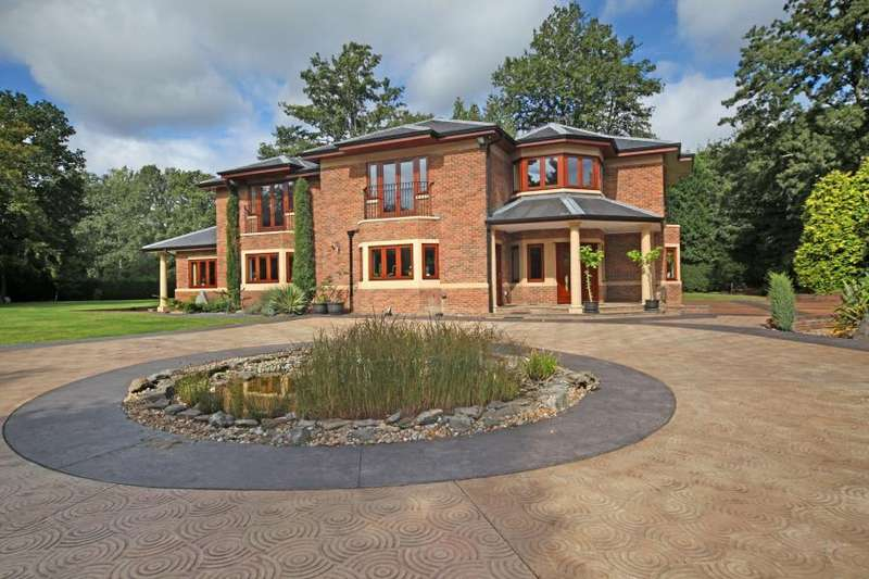 Detached House for rent in West Drive, Wentworth, GU25 0LF