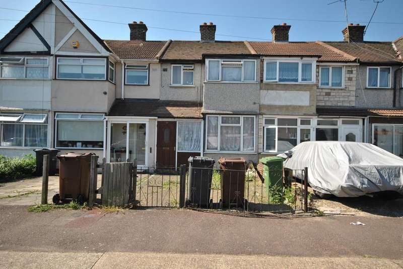 3 Bedrooms Terraced House for sale in Oval Road South, Dagenham
