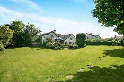 4 Bedrooms Detached House for sale in Buxton Old Road, Macclesfield, Cheshire