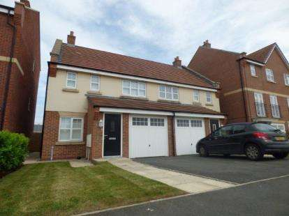 3 Bedrooms Semi Detached House for sale in Windward Avenue, Fleetwood, Lancashire, United Kingdom, FY7
