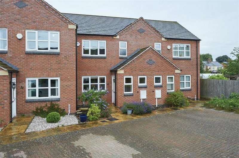 3 Bedrooms Terraced House for sale in Rugby Close, Market Harborough, Leicestershire